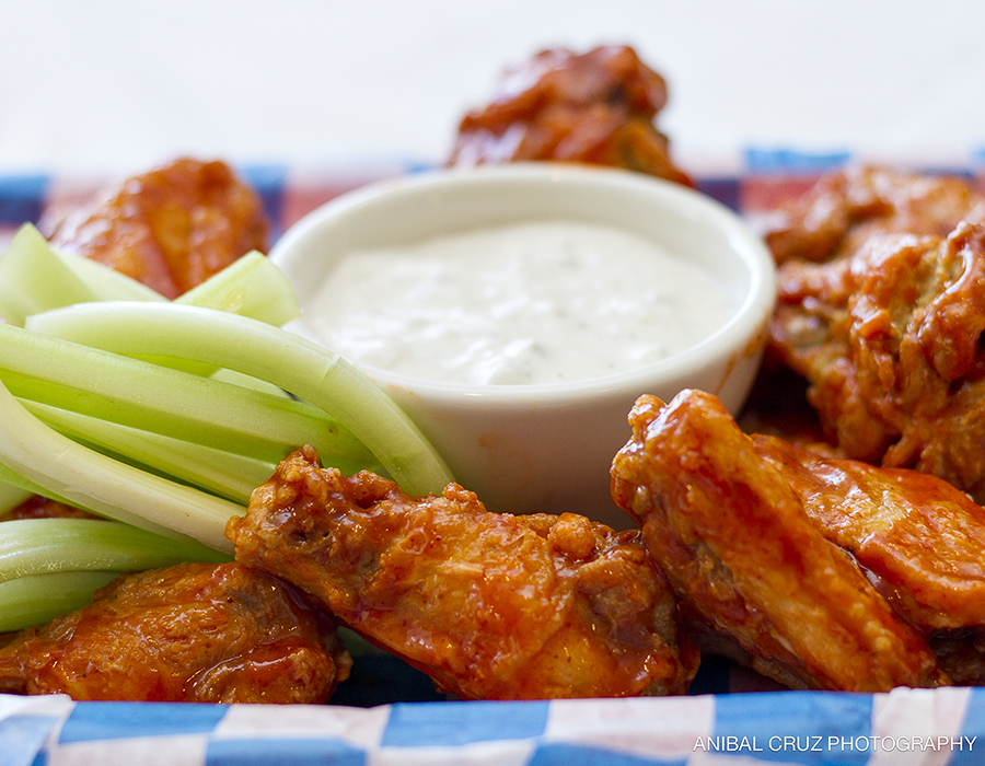 Gilbert's Resort Buffalo Chicken Wings Plate